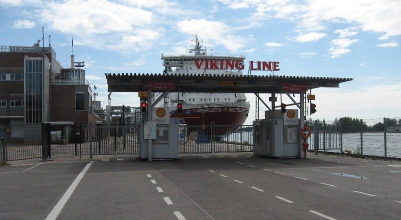 Порт Katajanokka в Хельсинки. Viking Line. Викинг лайн. www.NaParome.ru