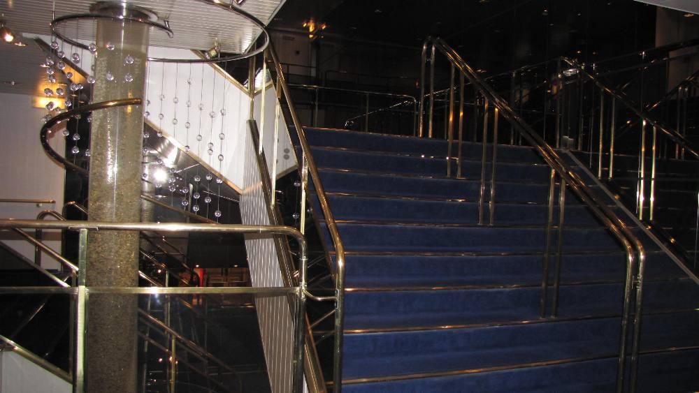 Паром Принцесса Мария / лестницы