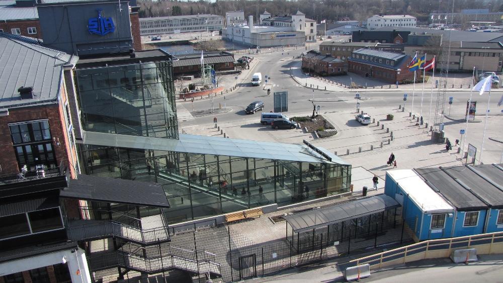 Порт Фрихамн / Frihamnen. Из порта Фрихамн отправляются паромы Tallink и St.Peter Line